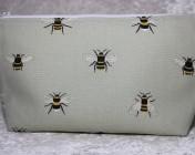 Zipped Bag – Sophie Allport Bees